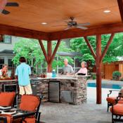Aménager une Pergola pour une superbe cuisine extérieure